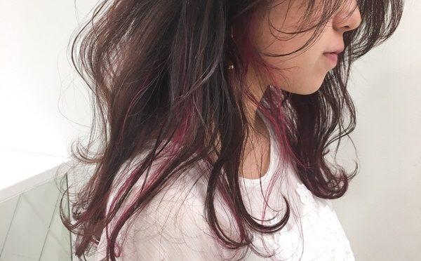【ピンクのインナーカラー】成人式前のカラーでも人気です